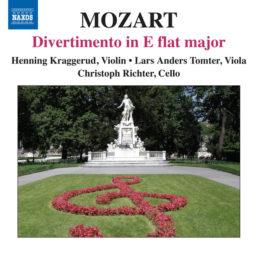 Mozart: Divertimento in E-Flat Major